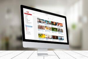 Hoe Verdien ik Geld met Vloggen via YouTube en Facebook?